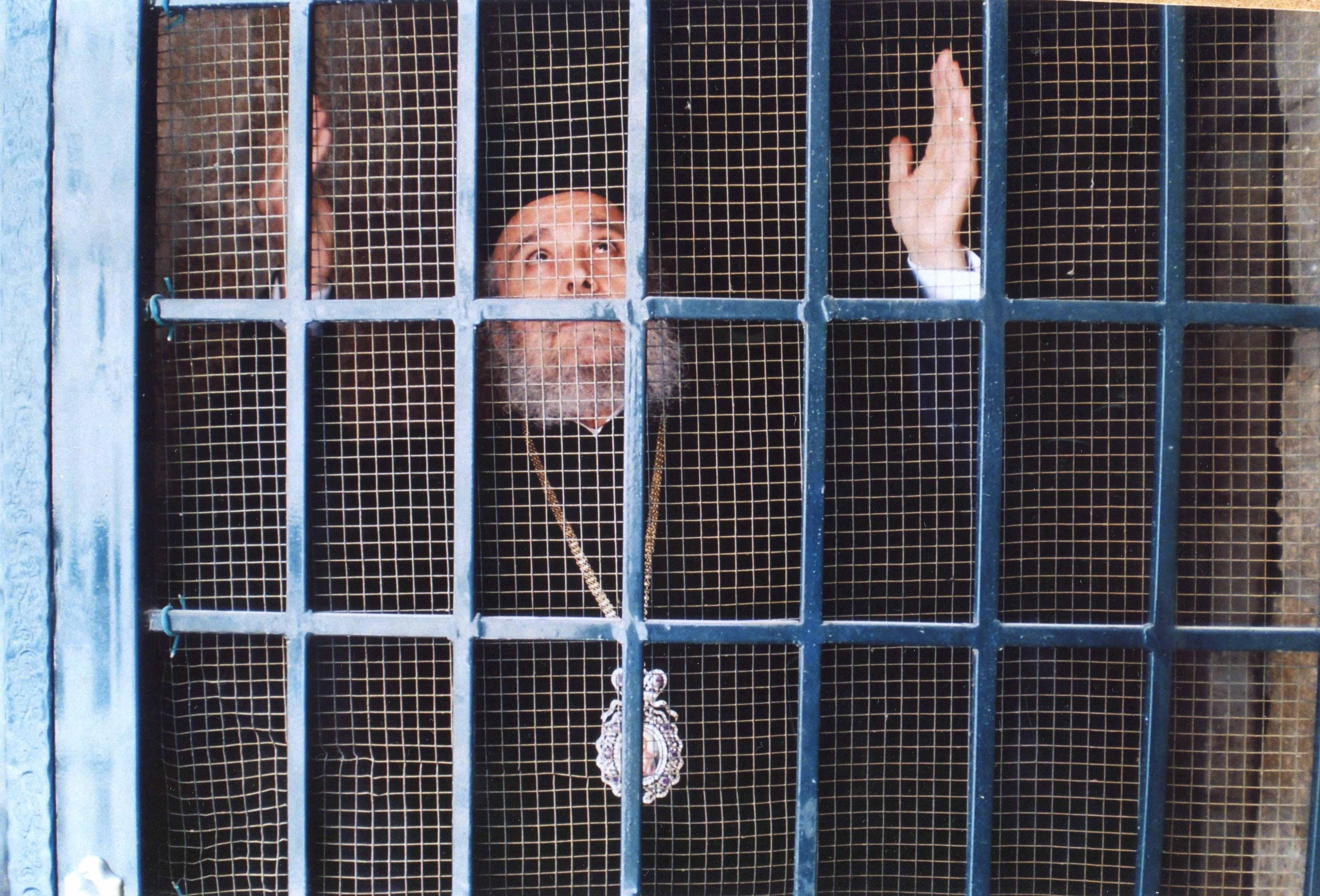 После 7 лет пребывания в затворе бывший Патриарх Иерусалимский Ириней впервые покинул Иерусалимскую Патриархию